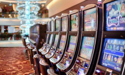 ¿Cómo jugar maquinitas de casino?